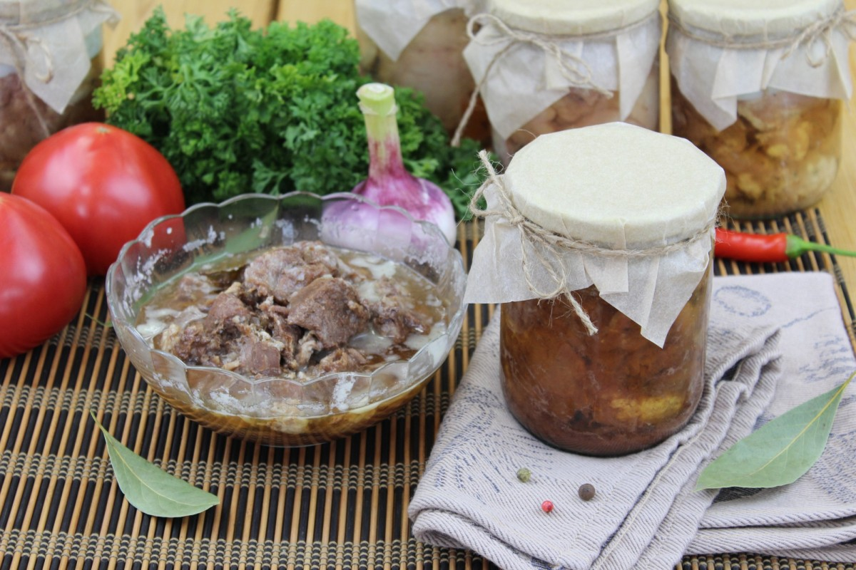 Говядина тушёная (объём 0,5 литра)