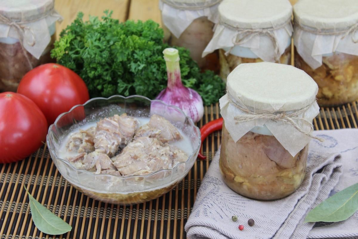 Свинина тушёная (объём 0,5 литра)